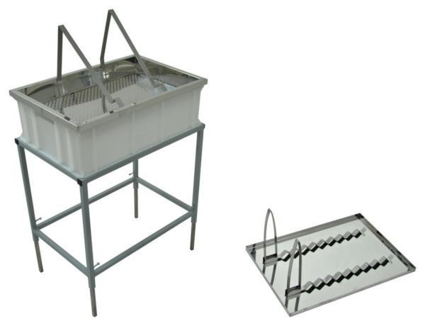Uncapping table withstand and stainless strainer